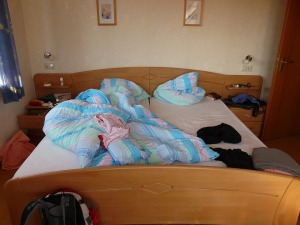 bed-57315_960_720