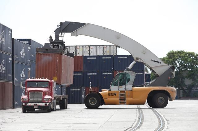 truck-crane-2582041_960_720.jpg