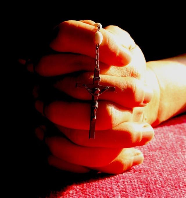 rosary-699619_960_720.jpg